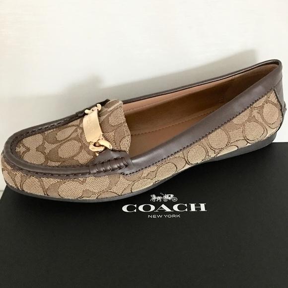 510e3c8e722 Coach signature olive outline loafers